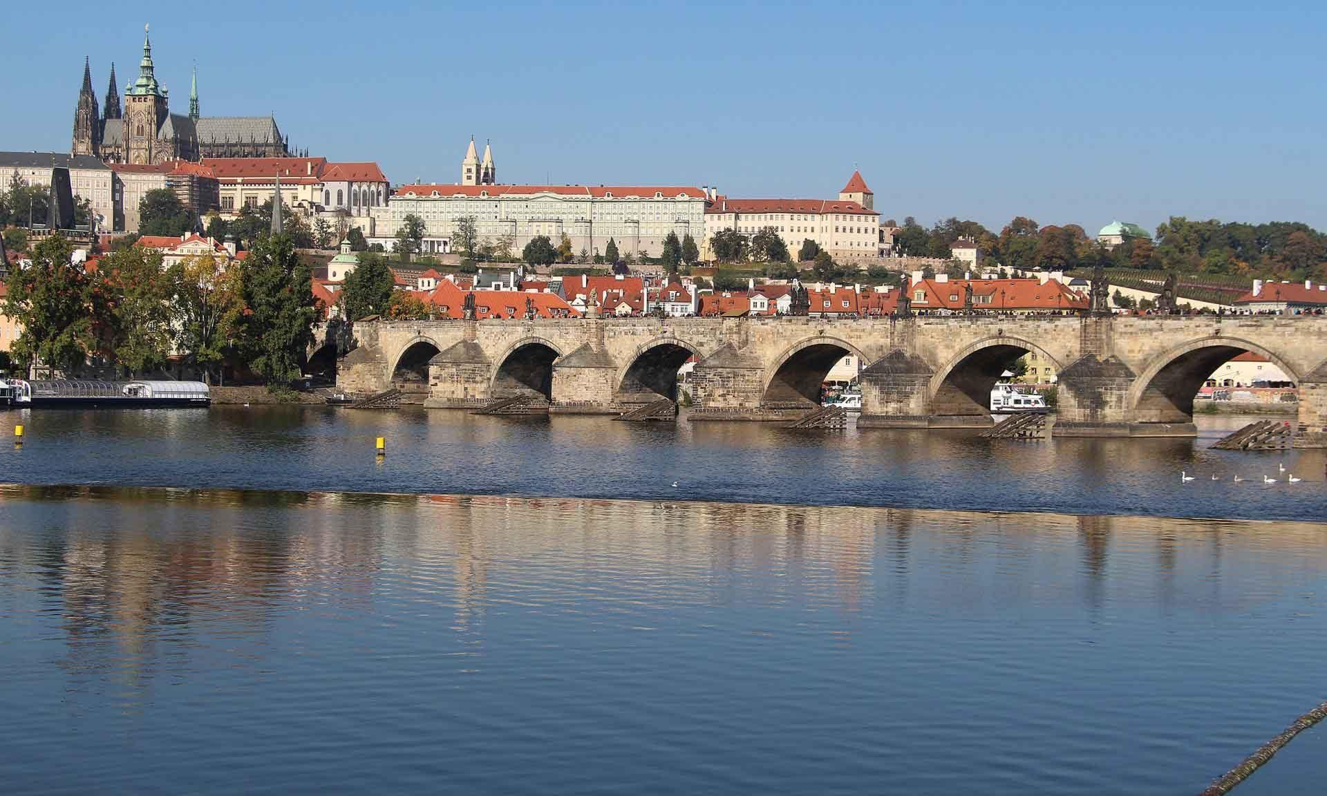 Barbie unterwegs: Auf einen Kaffee in Prag