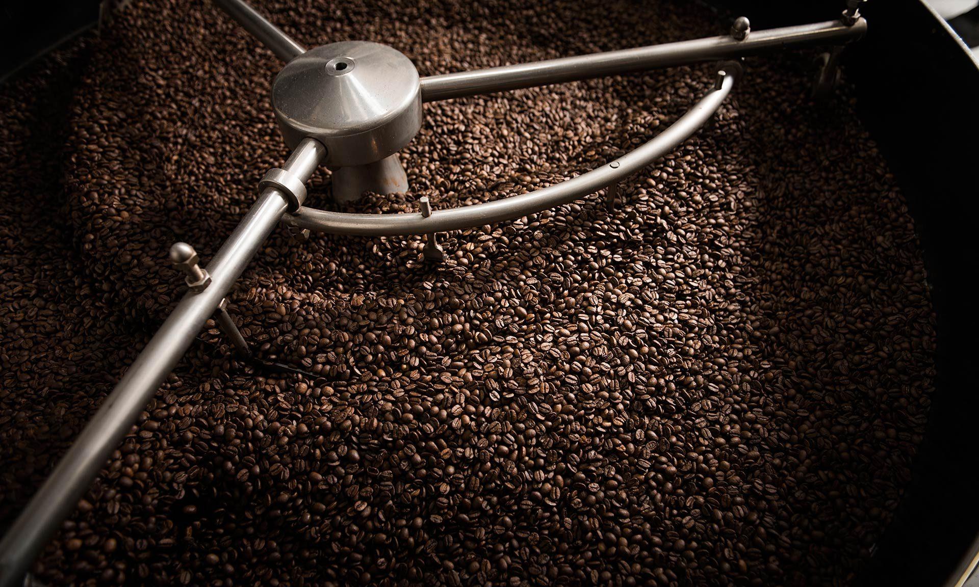 Kaffeebohnen nach der Trommelröstung